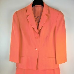 Women's Suit color peach size 10 Pre-Owned Used